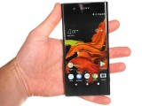 In the hand - Sony Xperia XA1 Plus review