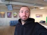 Vivo V7+ 24MP portrait selfies with bokeh effect - f/2.0, ISO 200, 1/33s - vivo V7 Plus review