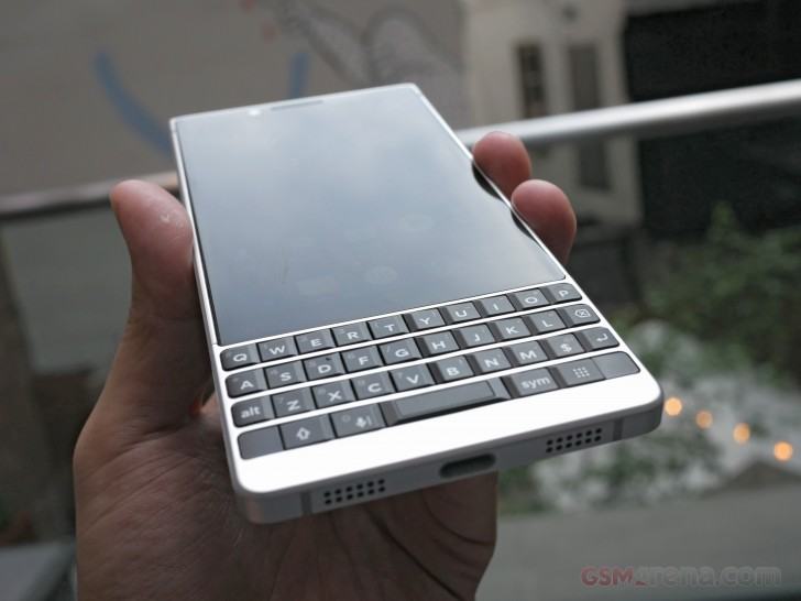 BlackBerry Key 2 Wallpapers: BlackBerry Key2 Hands-on Review: Hardware Overview