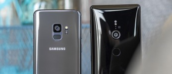Galaxy S9 vs. Xperia XZ2 shootout