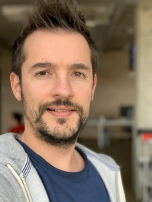 Portrait samples, vs. archrivals: iPhone XS Max - f/2.4, ISO 50, 1/122s - Google Pixel 3 review