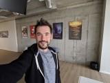 Selfie samples: Wide - Google Pixel 3 review