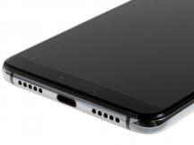 USB-Cポート、プライマリースピーカー。 - Huawei P20 Proレビュー