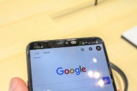 A notched screen (but there's an option to hide it) - IFA2018 LG G7 review
