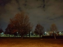 Low-light samples: Auto - f/1.5, 1/10s - LG V40 ThinQ review