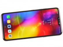 6.4-inch OLED display on the front - LG V40 ThinQ review