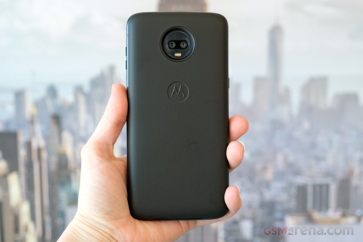 Moto Z3 Play Hands On review