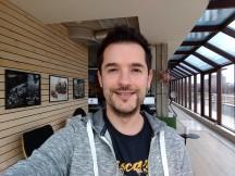 Selfie samples - f/2.0, ISO 156, 1/33s - Motorola Moto G5S Plus review