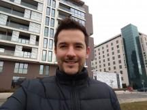 Selfie samples - f/2.0, ISO 100, 1/137s - Motorola Moto G5S Plus review