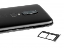 OP6 takes two nano SIMs - OnePlus 6 review
