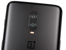 OnePlus 6T glass back - OnePlus 6T review
