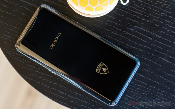 https://cdn.gsmarena.com/imgroot/reviews/18/oppo-find-x-lamborghini-edition/lifestyle/-728w2/gsmarena_005.jpg