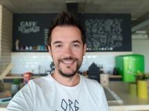 Selfie samples, Selfie focus mode - f/1.7, ISO 64, 1/34s - Samsung Galaxy Note9 review
