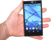 In the hand - Sony Xperia L2 review