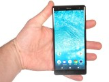 Xperia XZ2: in the hand - Sony Xperia XZ2 review