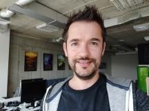 Selfie samples - f/2.0, ISO 162, 1/30s - Xiaomi Mi 8 review