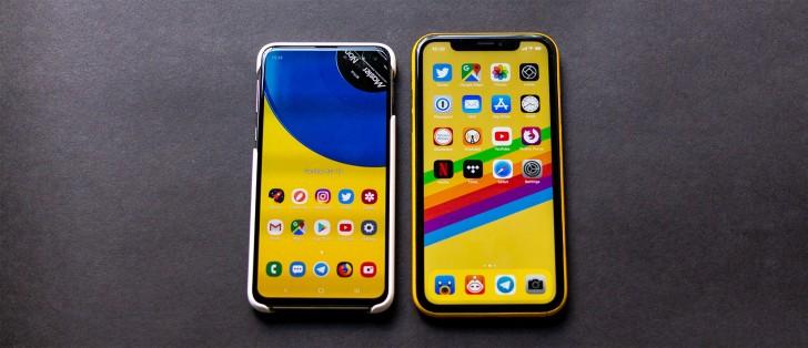 Samsung Galaxy S10e vs. Apple iPhone XR
