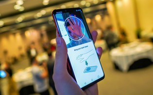 Hand ID on a LG G8 ThinQ series smartphone