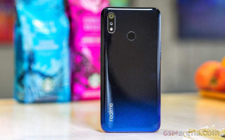 0fb2c21527 Realme 3 review: Design and spin