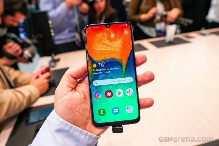 Samsung Galaxy A70 unboxing and hands-on