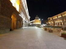 Low-light stills with the ultra wide-angle lens - f/2.2, ISO 1250, 1/10s - Samsung Galaxy M10 review