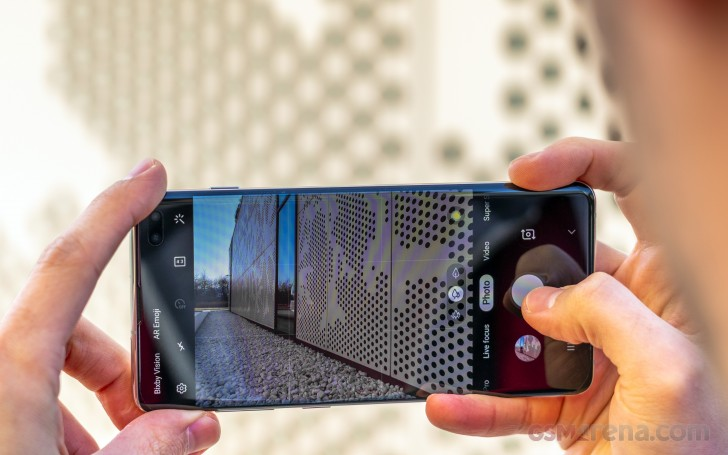Samsung Galaxy S10+ review: Camera architecture, app interface, features