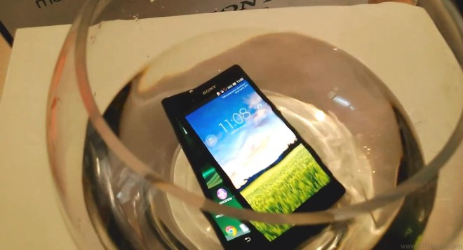 Sony Xperia Z dropped in the name of science, shot on video
