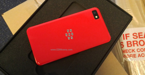 BlackBerry OS 10 devs can get a special edition red Z10 - GSMArena