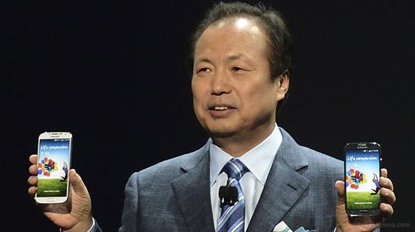 Samsung Galaxy S4 sales nosedive in August