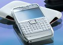 Nokia E71 review: Messenger of steel