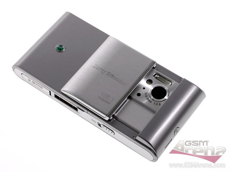 Sony Ericsson Satio (Idou) pictures, official photos