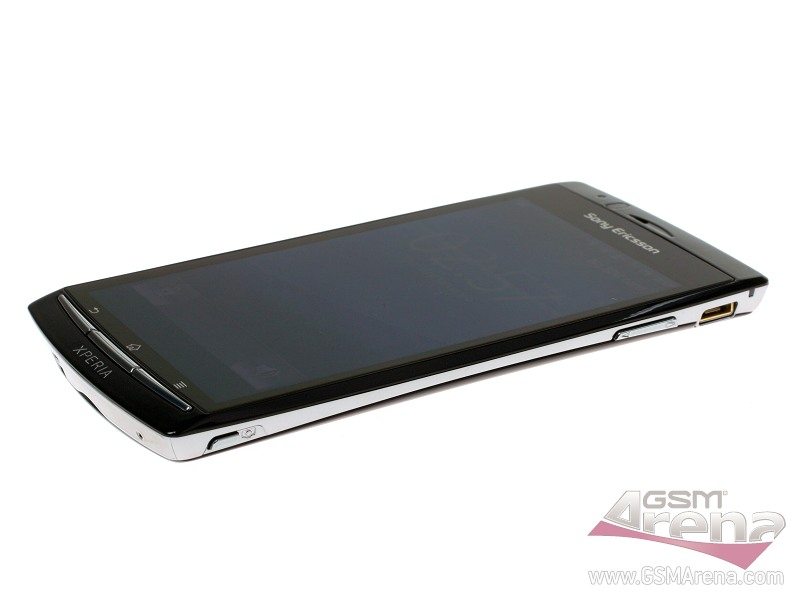 Sony Ericsson Xperia Arc pictures, official photos